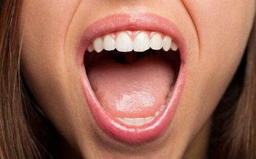 6 señales bucales que te indican la presencia de una enfermedad