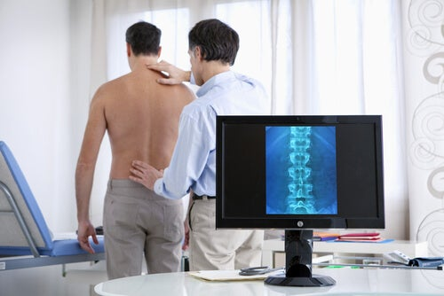 Diagnóstico y manejo de la lumbalgia y ciática.