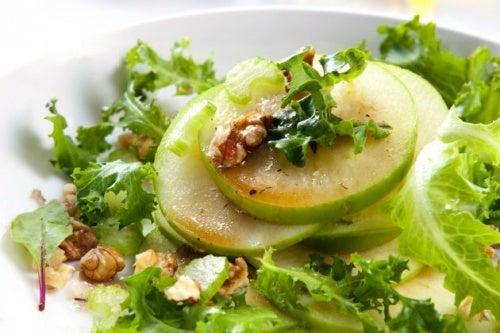 Ensalada-de-manzana-verde-y-apio-