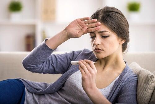 Cómo bajar la fiebre con infusiones naturales