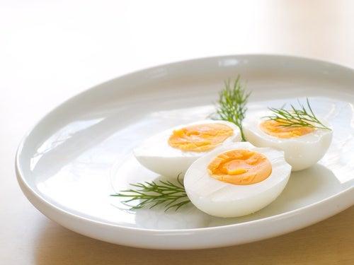 Los-huevos-suelen-liberar-sustancias-toxicas-cuando-se-recalientan.
