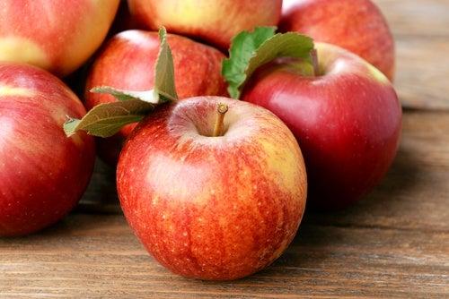 Manzana-gran-aliada-para-cuidar-nuestra-piel.