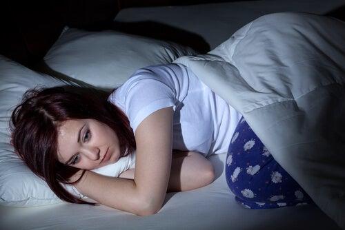Estrategia para conciliar el sueño cuando te desvelas por la noche
