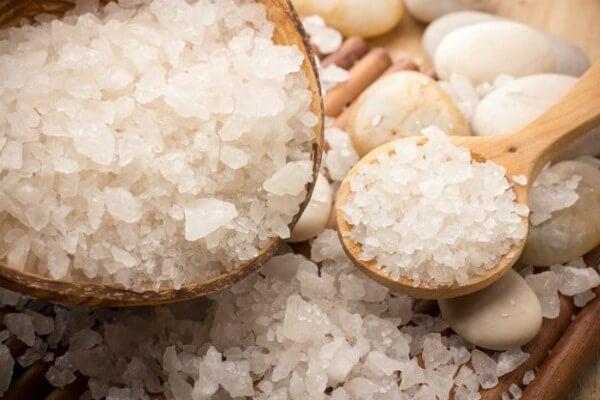 8 usos cosméticos de la sal que seguramente no sabías que existían