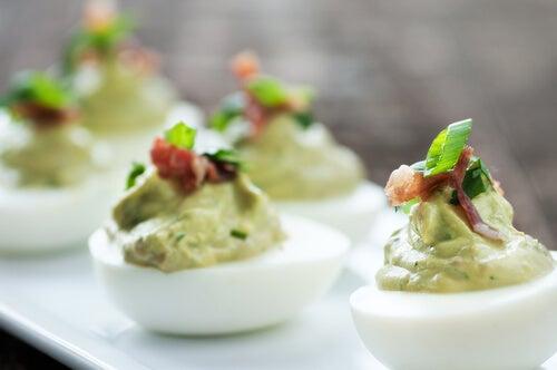 Huevos rellenos a la griega