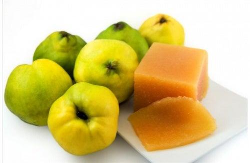 Membrillo para combatir calambres y dolores de estómago
