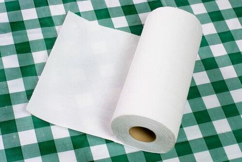 10 usos alternativos que le puedes dar al papel de cocina