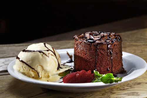 Tarta helada de galletas con chocolate
