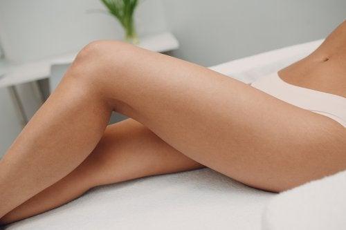 Como eliminar la piel oscura de las entrepiernas