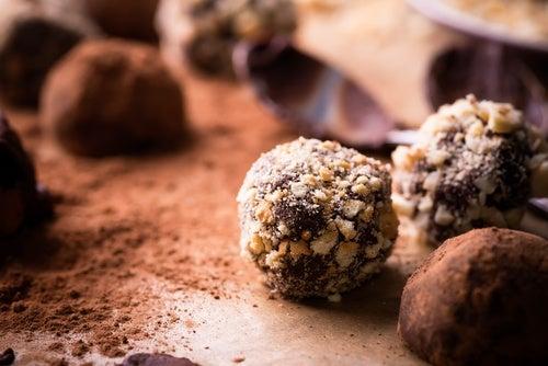 Preparar trufas de avellana y chocolate