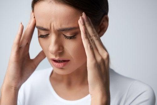 Migraña: causas, síntomas y remedios caseros