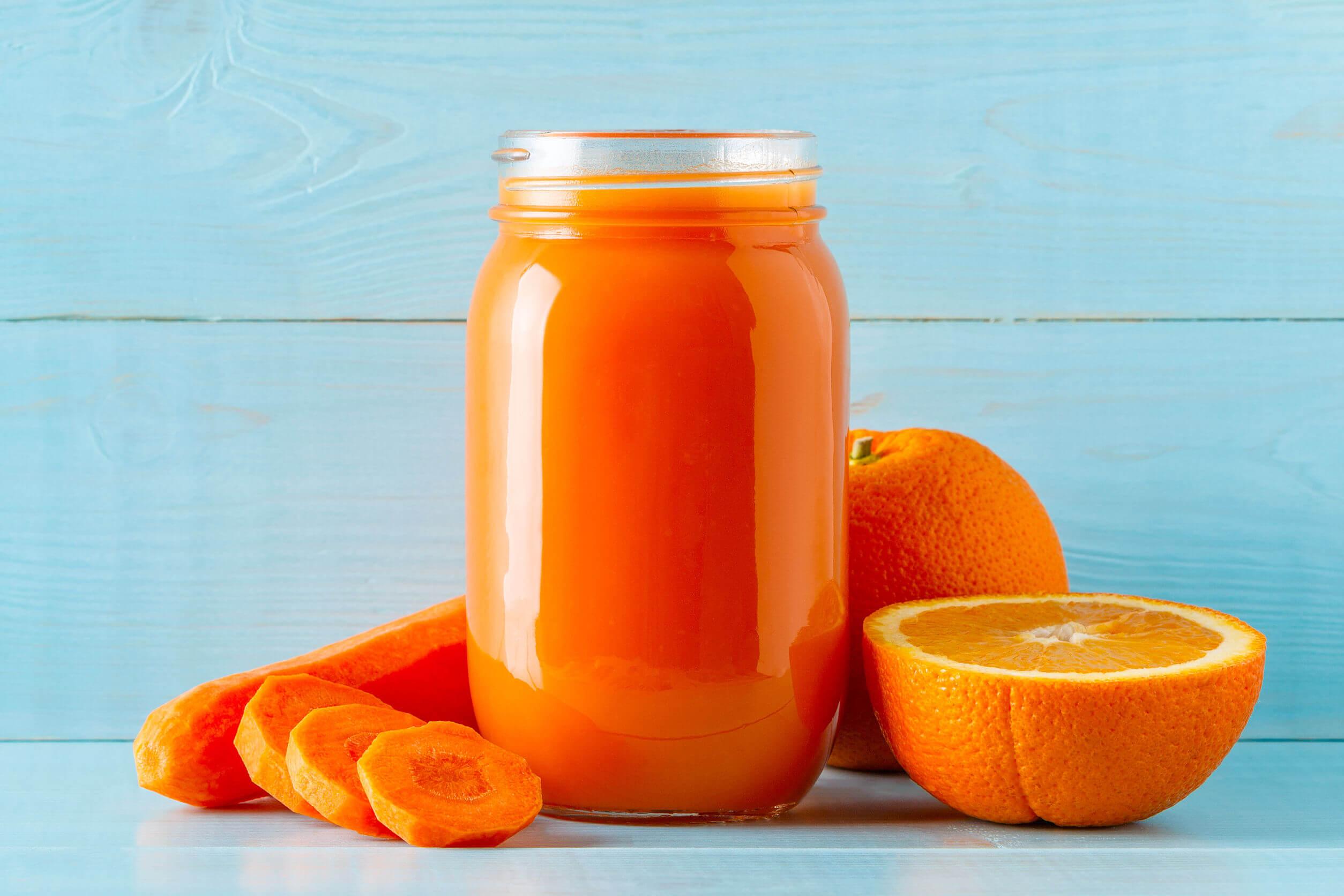 Comer zanahorias puede ser delicioso.