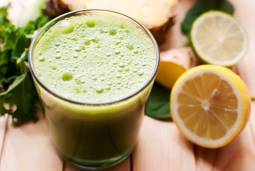 Plan detox para eliminar toxinas con limón, apio y diente de león