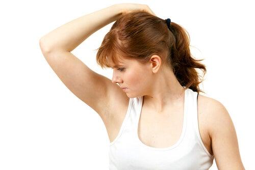 10 remedios caseros para el olor en las axilas