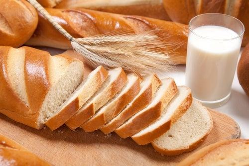 El pan blanco puede causar daños en el esmalte dental