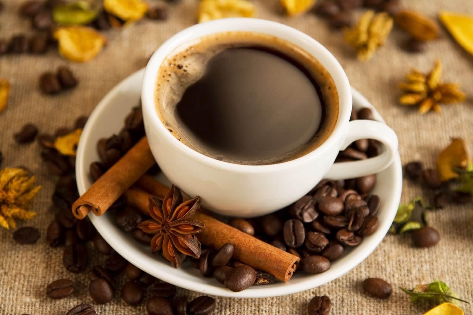 ¿Sirve el café para mejorar nuestro rendimiento mental?