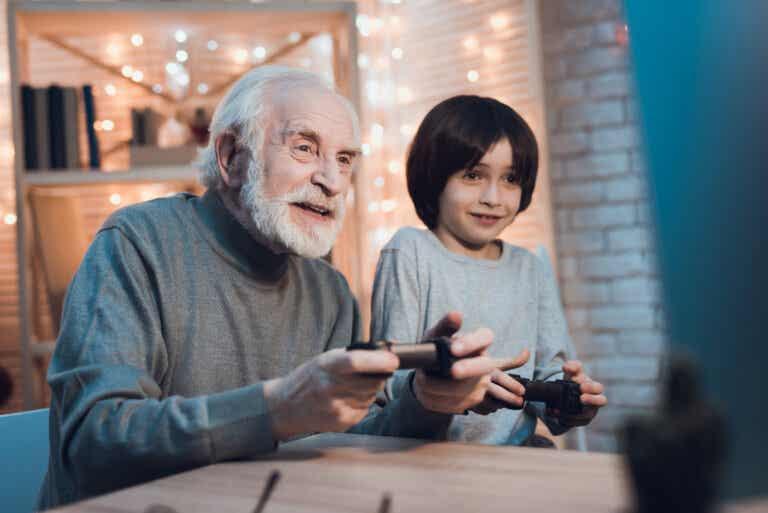 Cuidar de los nietos ayuda a prevenir la demencia, según un estudio científico