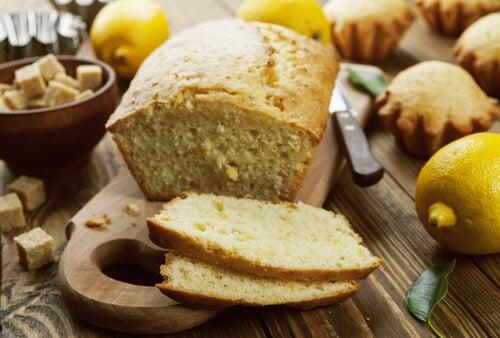 Bizcocho de queso crema y limón