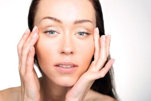 desinflamar-los-ojos-hinchados