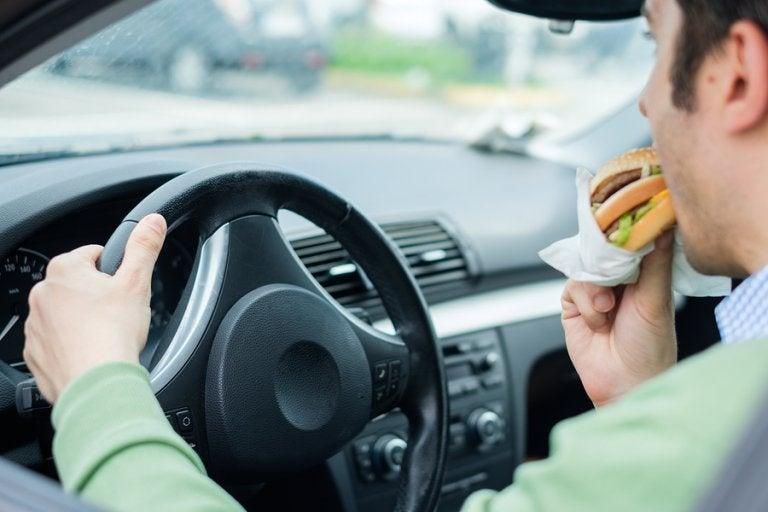 5 hábitos poco saludables que provocan indigestión
