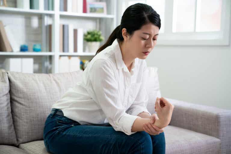 Cómo preparar un aceite natural con acción analgésica para calmar los dolores