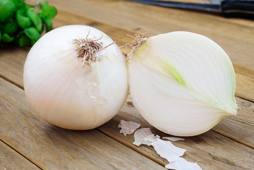 Onion by the bedside table may help reduce mucus