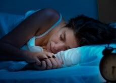 Cómo afecta la posición en la que duermes a tu cuerpo
