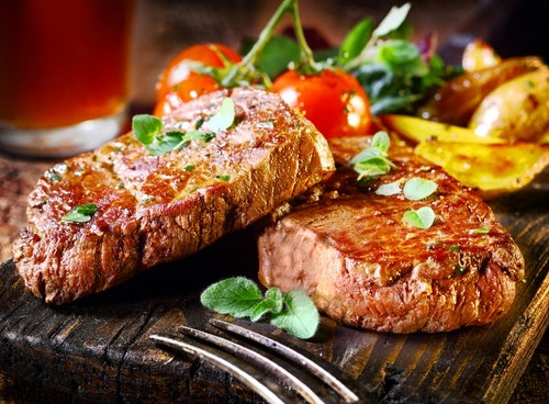 La carne roja provoca acidez estomacal