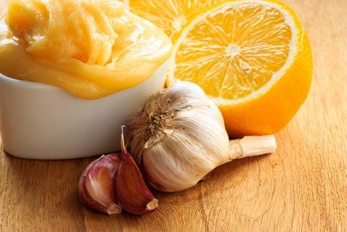 Por qué deberías comer ajo, cebolla y limón todos los días