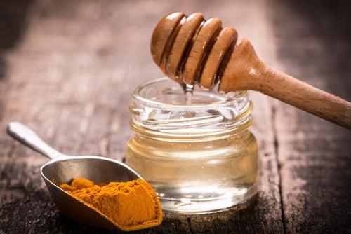 Receta del té antiinflamatorio de cúrcuma