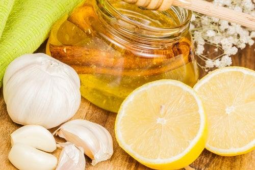Remedio de limón y ajo, cómo rejuvenecer tus arterias