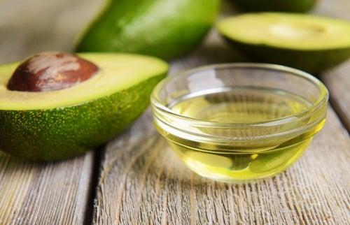 Tratamiento de aguacate y vitamina E