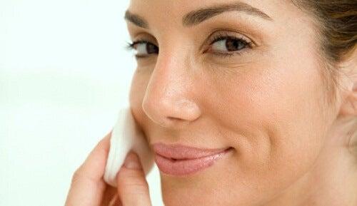 Debemos cuidar nuestra piel adecuadamente.