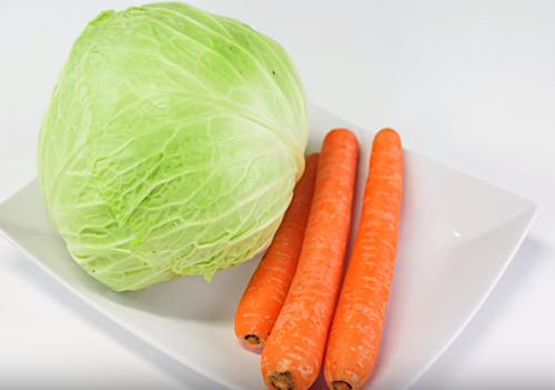 Zumo de col y zanahorias para controlar la ansiedad — Mejor con Salud