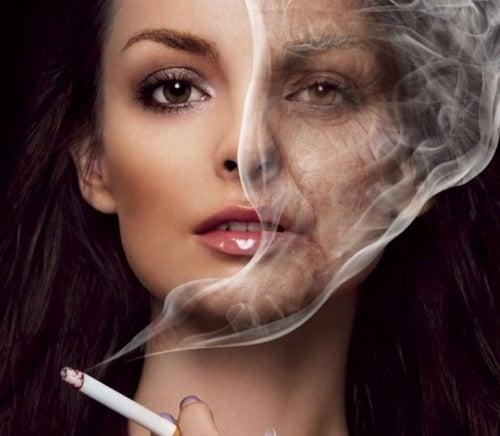 Arrugas en el rostro por fumar