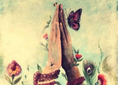 La mano que te da rosas siempre conserva algo de su fragancia