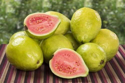 guayabas - gran cantidad de vitamina C