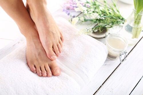 5 remedios caseros para aliviar la sequedad en los pies