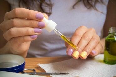 7 tratamientos caseros para fortalecer las uñas débiles