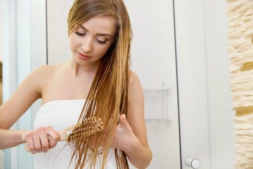 Manzanilla para teñir el pelo a rubio