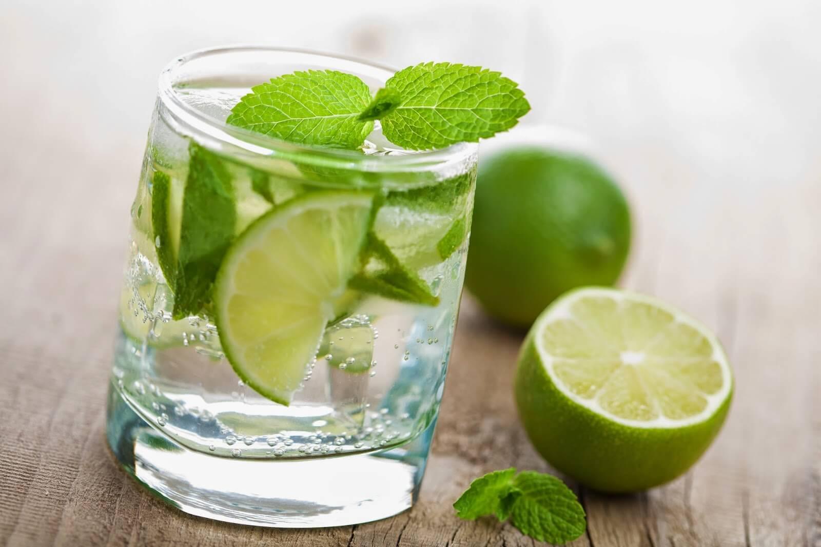 Resultado de imagen de agua con limón?