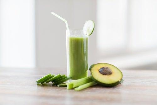 Cómo preparar jugos verdes