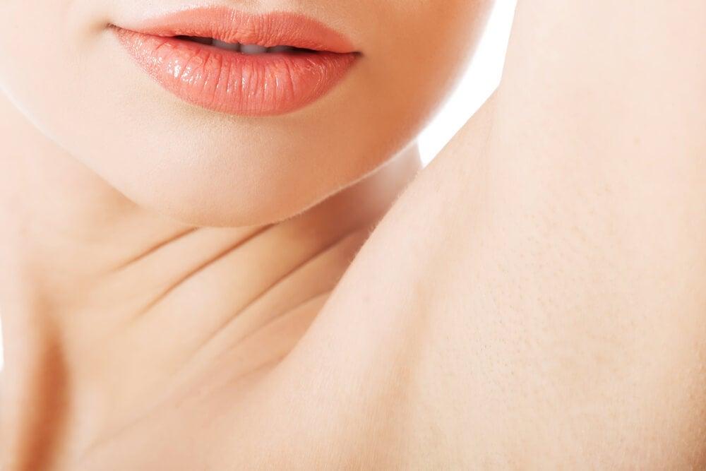 Deshazte del mal olor en las axilas con estos 6 remedios caseros