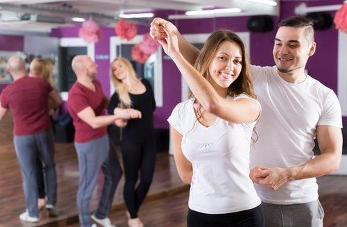 La kizomba es uno de los bailes que ayudan a tonificar el cuerpo