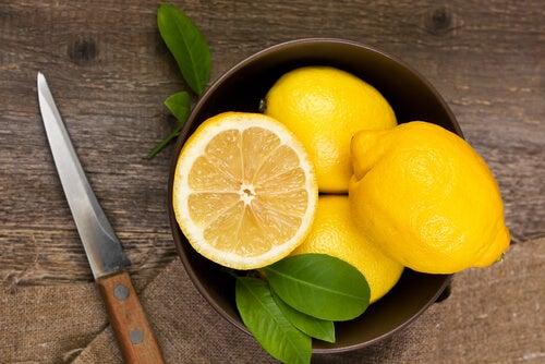 cucharada de aceite de oliva y limón