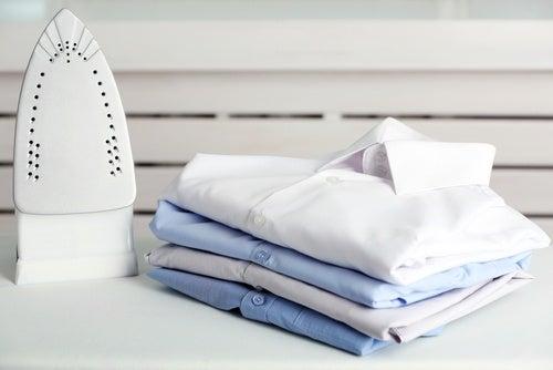 7 métodos caseros para limpiar la plancha quemada y dejarla como nueva