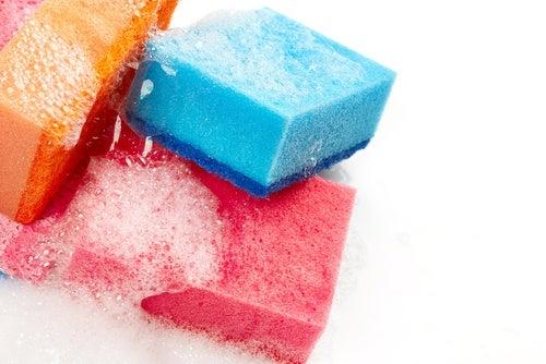Utiliza esponjas de celulosa