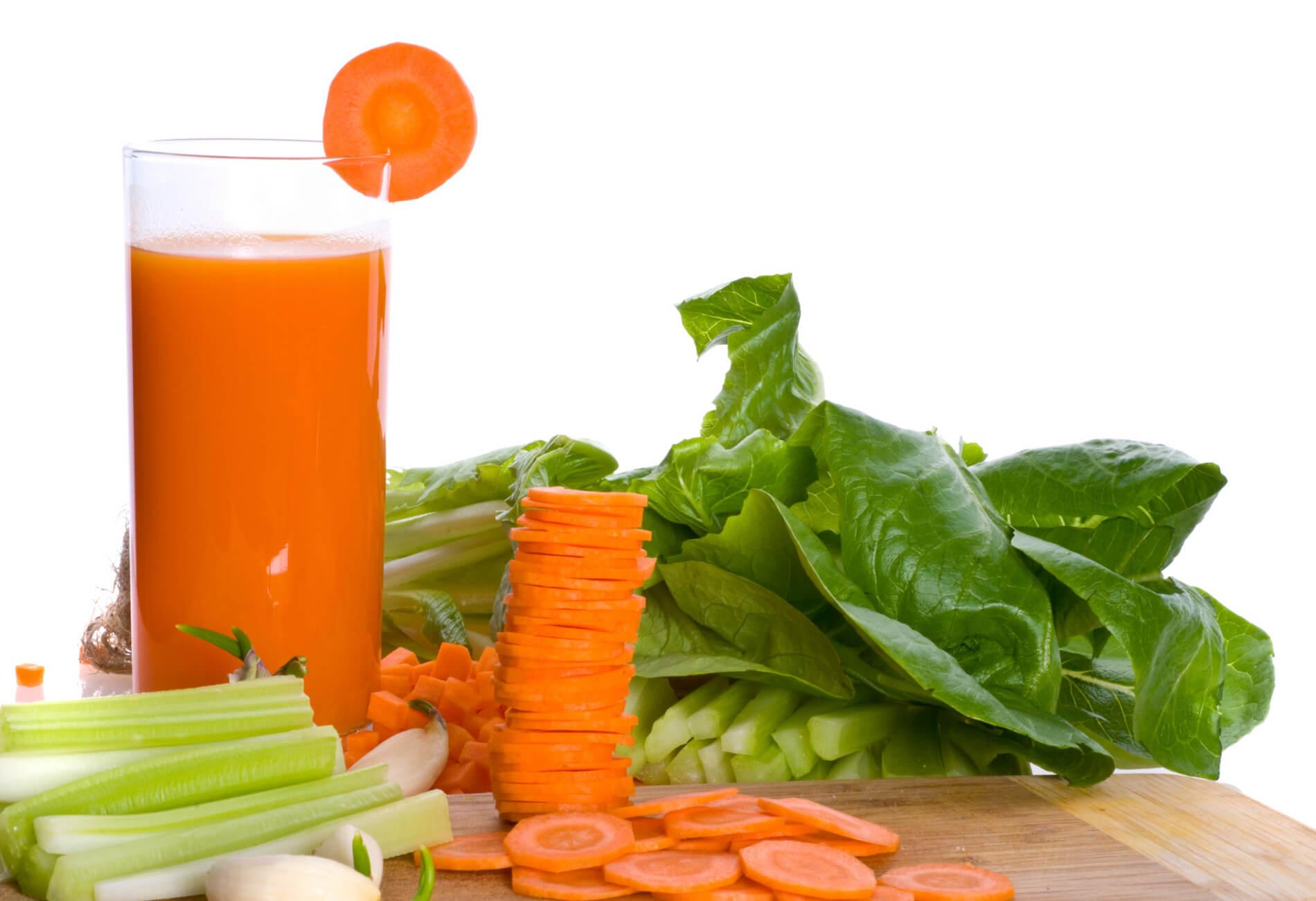Relaja tus músculos con esta bebida natural de zanahoria y apio