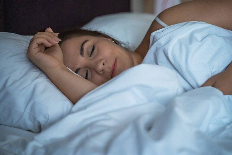 ¿Engorda dormir la siesta?