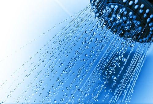 Errores frecuentes al darnos una ducha